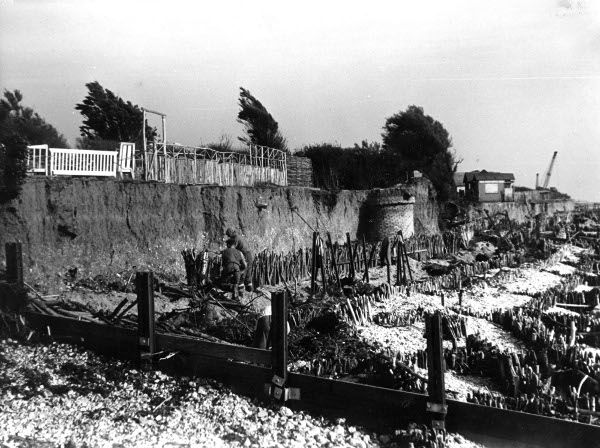 east-beach-selsey-before-sea-wall-28_sept_1953