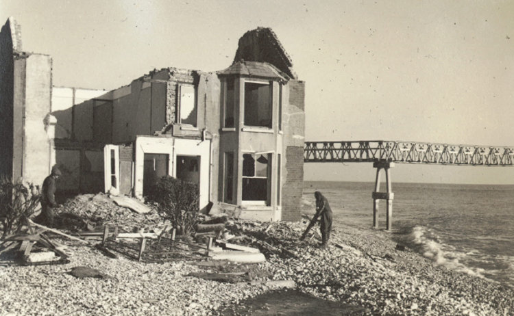 s_end-house-demolition_uninhabitable-after-storm-28_12_1951