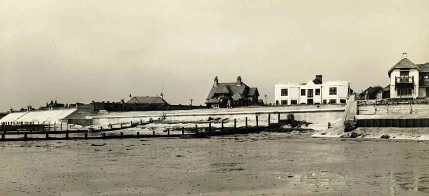 s_west-beach-wall_white-house-bastion-1954