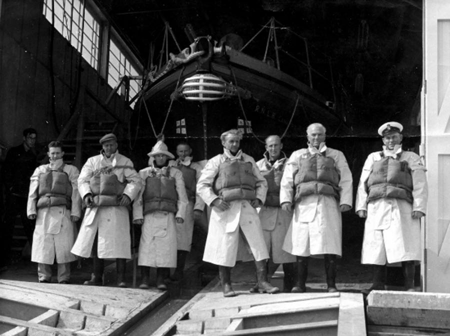 the-selsey-lifeboat-crew