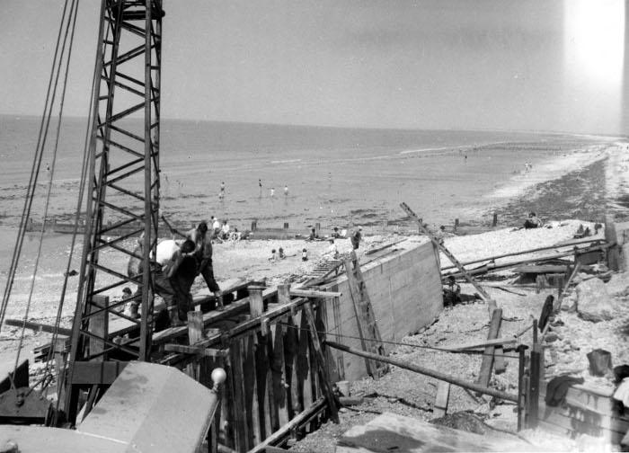 west-beach-selsey-11_july_1956